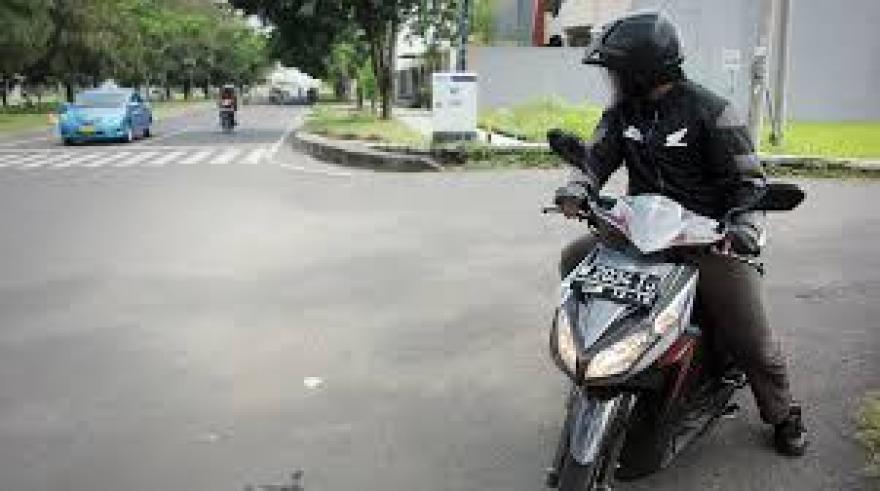 Image : Ber etika dong kalo lagi di Jalan !!!!!