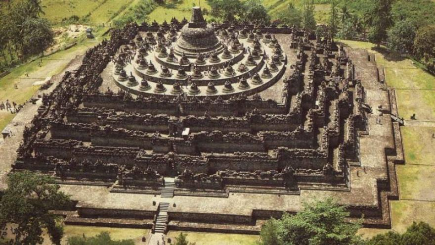 Image : Sejarah Candi Borobudur | Asal Usul, Peninggalan, dan Pembangunan